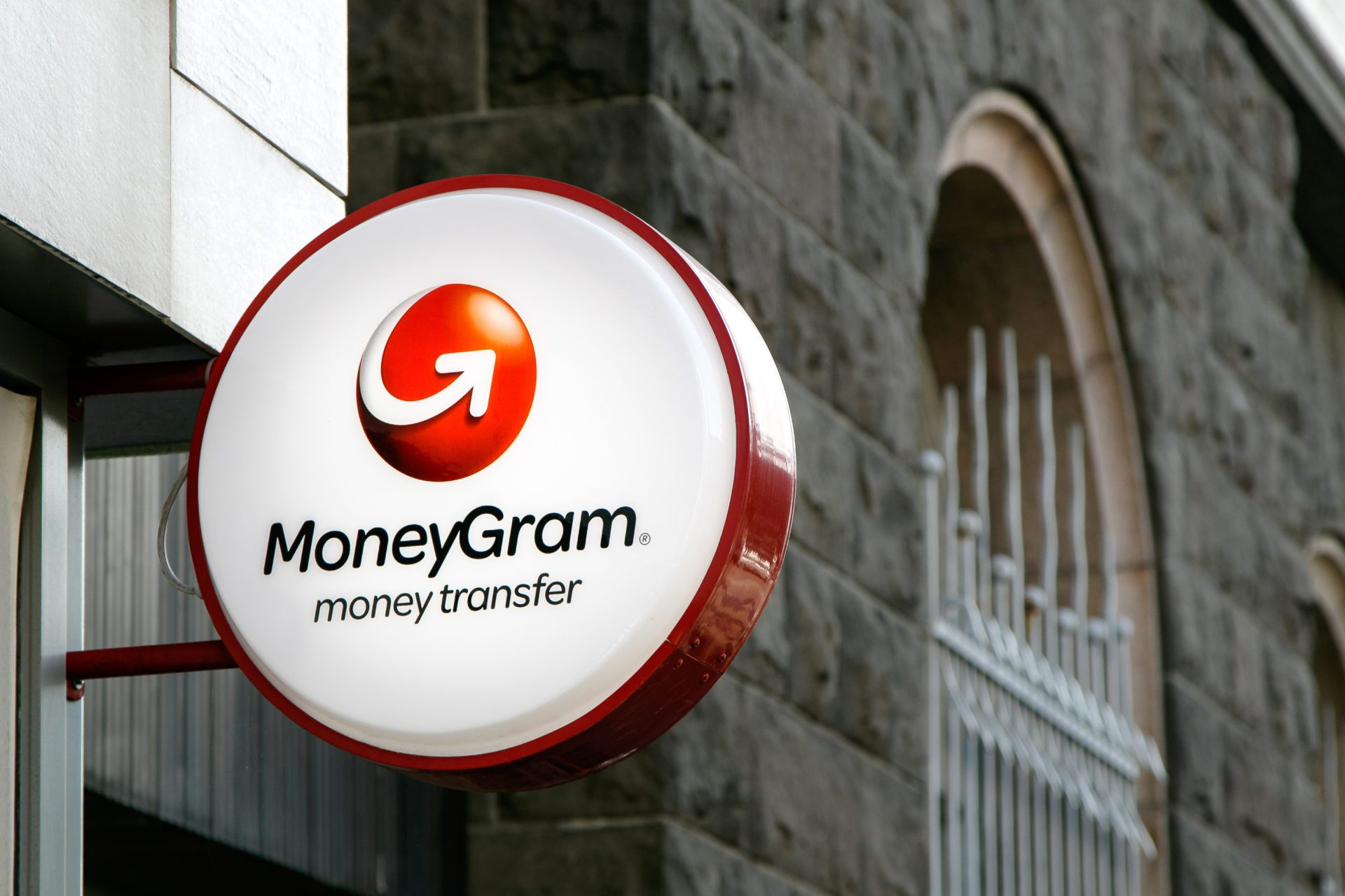 how to send money internationally via moneygram